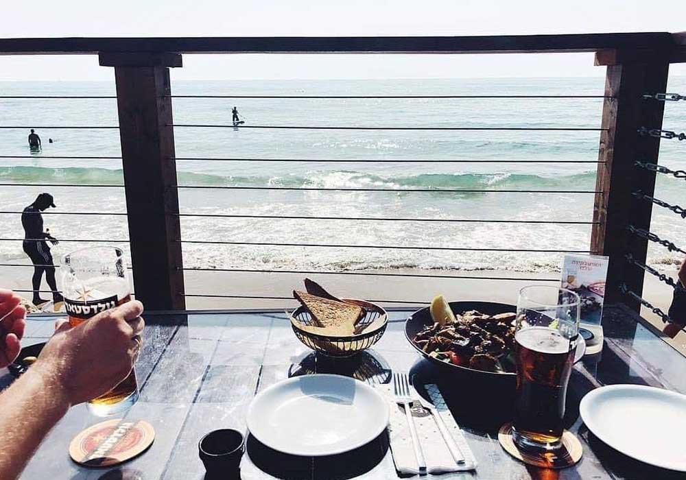ארוחת בוקר מול הים בנירוונה חיפה